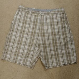 Croft and Barrow Mens Plaid Shorts Size 34